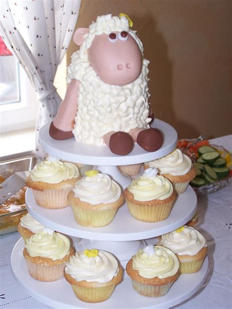sheep cake for gen s baby shower cupcakes pinterest babies sheep cake and cakes