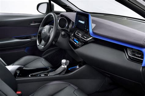 toyota  hr hybride suv compact voiture neuve