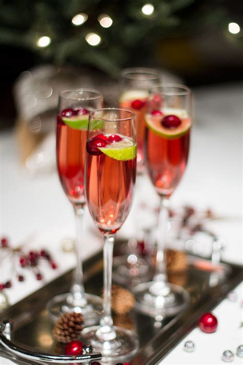 christmas cocktail recipes christmas cocktails cranberry chagne cocktail by lynny