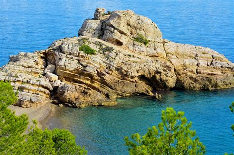 Small Showers discover spain s amazing costa dorada beaches bays and coves