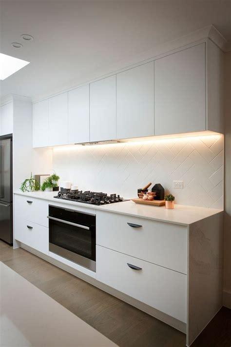 caesarstone splashback cooktop best 20 white quartz ideas on white quartz