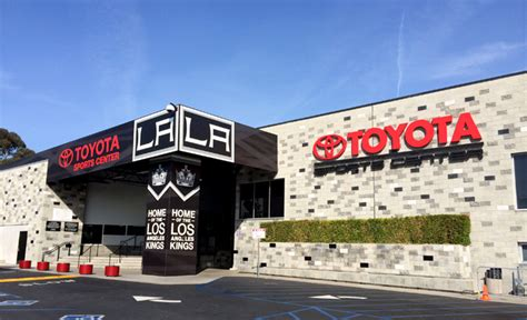 Toyota Central La La Thumbs Up Thumbs With Jd Stylz