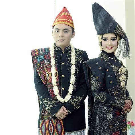Baju Adat Batak Modern baju pengantin wanita adat batak pakaian adat sumatera utara sr28jambi