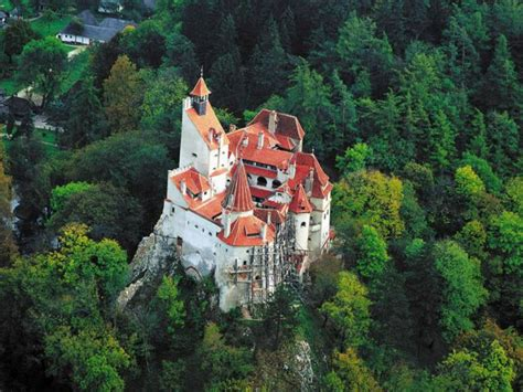 dracula castle in transylvania and the real story about the castle of dracula the truth behind the eerie legend