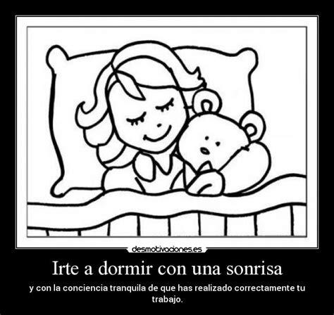 dormida con una sonrisa irte a dormir con una sonrisa desmotivaciones