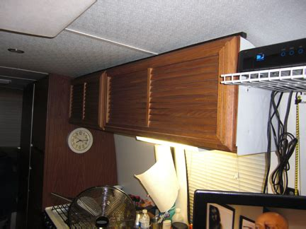 Kitchen Overhead Cabinets by Overhead Kitchen Cabinets