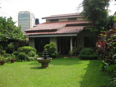 rumah dijual di jual rumah nyaman asri halaman luas di kebagusan