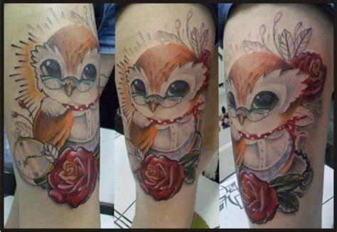 fantasie eulen oberschenkel tattoo von hell tattoo