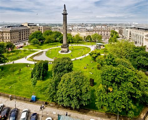 Contemporary Landscape Design by St Andrew Square By Gillespies Landscape Architects
