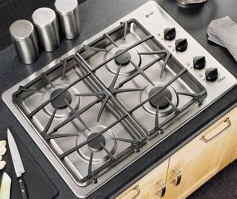 General Electric Gas Cooktops ge general electric jgp933sekss profile gas cooktop with 4 sealed burners 30 quot size 4 sealed