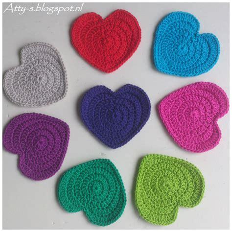 pattern of heart in crochet wonderful diy crochet love heart coaster free pattern