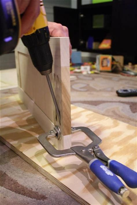 cabinet door router jig shaker style cabinet doors with kreg jig and router home