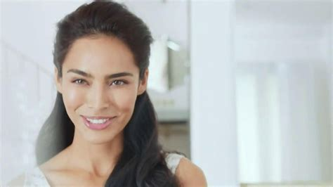 olay ageless commercial actress actress in olay regenerist commercial