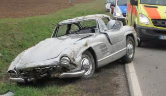 Mercedes Up In Germany Car Crash Mercedes 300 Sl Gullwing Wrecked In Germany