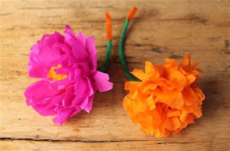 How To Make Mexican Crepe Paper Flowers - how to make a paper flower headpiece