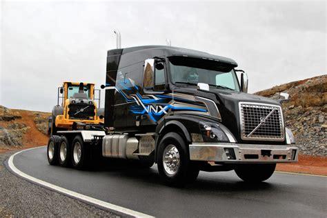 volvos vnx heavy hauler    tri drive truck news