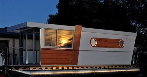 boat house warszawa poland luxury shantyboat house boats pinterest