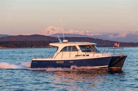 escape boat aspen 32 c100 escape power cat asymmetrical harmony
