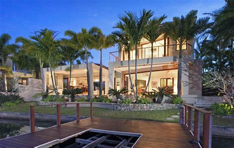 10 Iconic Australian Holiday Homes Realestate Com Au Luxury Homes Noosa