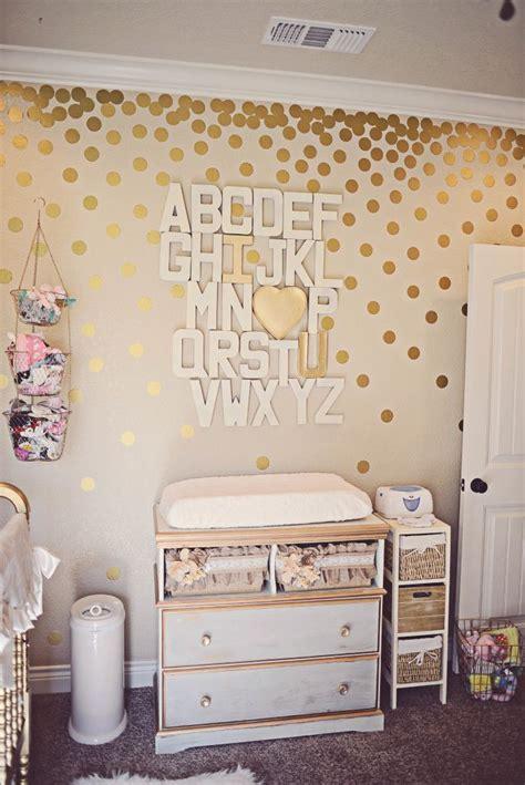 gold wallpaper nursery girly gold nursery bricolage avec de l or points d or