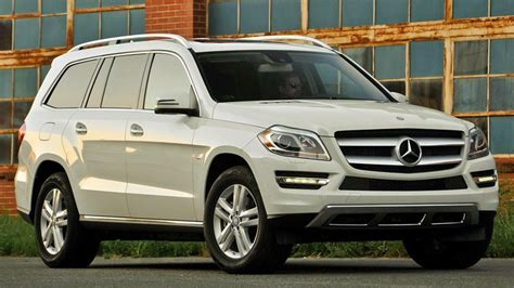 big suvs 10 best large suvs with great towing capacity