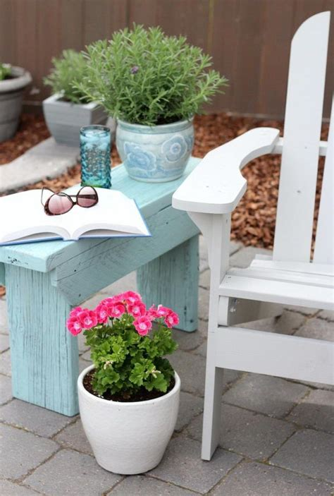 outdoor side table ideas best 25 outdoor side table ideas on farmhouse