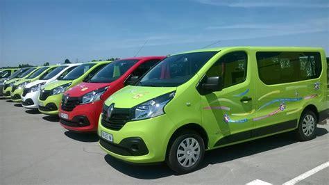 Louer un minibus Titi Floris