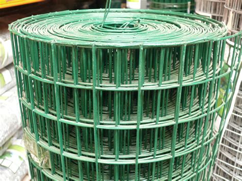 10 welded wire fencing green pvc weld mesh fence 0 9mx25m thick 10 wire