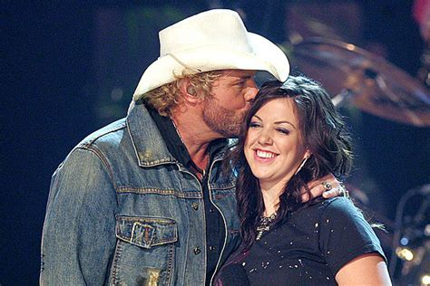 Toby Keith's Daughter, Family in 'Horrific' Wreck Caused