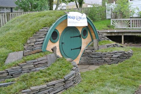 hobbit hole house see this hobbit house it could now be yours along with