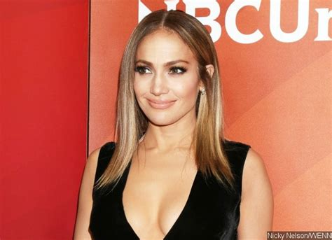 biography in spanish on jennifer lopez jennifer lopez previews new music from new spanish album