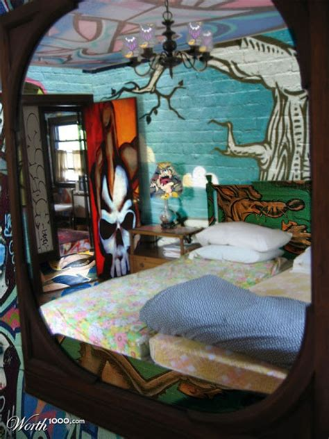 11 Amazing And Cool Graffiti In Bedroom For Inspiration Graffiti Designs For Bedrooms