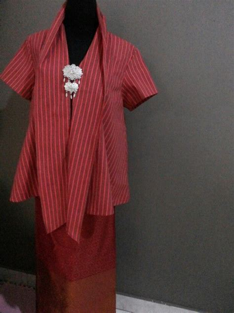 Baju Batik Lurik 657 best images about tenun songket indonesia on fashion weeks ikat print and kebaya