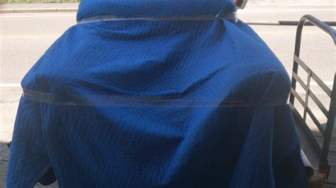 how to wrap couch for moving you won t believe what s happening at casey movers how to