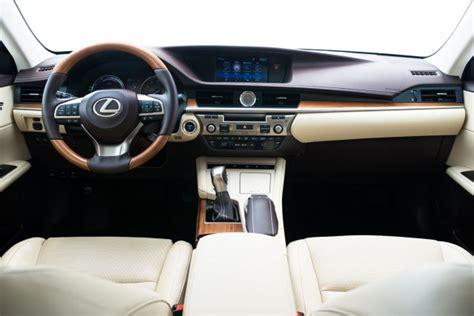 lexus ls 300h 2016 lexus es 300h hybrid gets styling update nicer interior