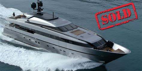 top selling boats selling your yacht fast is there a best time to sell