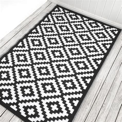 black and white rugs black and white indoor outdoor rug green decore