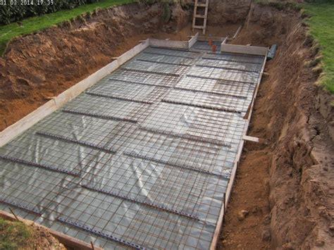 Bewehrung Bodenplatte Garage by Die Bodenplatte F 252 R Den Pool Entsteht Baublog