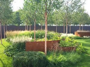 steel garden deschsia cespitosa goldschleier garden design eye