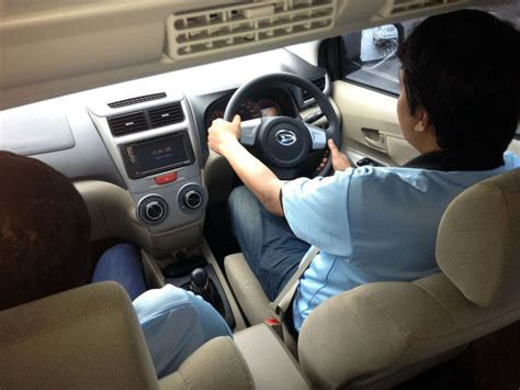 Kas Rem Daihatsu Xenia merasakan xenia x tra aman x tra nyaman di kawasan ciwidey merdeka