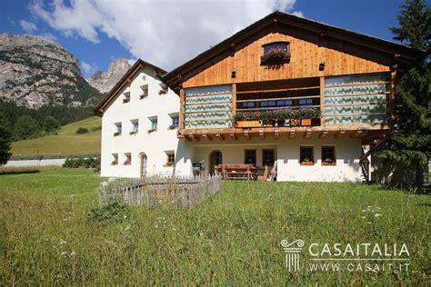 appartamenti la villa val badia appartamento con giardino in vendita in alta badia