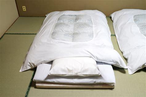 bett auf boden schlafen weltweit die schlafkultur weltweit
