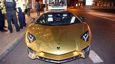 Goldener Lamborghini by Rund 600 000 Euro Teurer Goldener Lamborghini Von Der