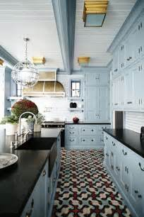 white and blue kitchen cabinets best 25 blue kitchen cabinets ideas on blue