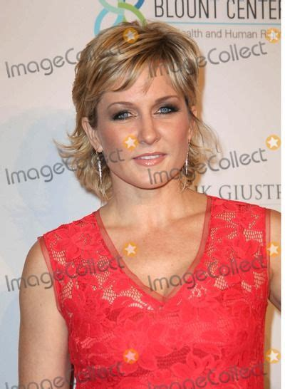 how to get a haircut like amy carlson 384 best ideas about hair on pinterest older women