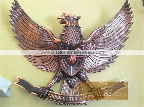 Patung Garuda Pancasila Ukuran 110cm Tembaga lambang burung garuda tembaga ukuran sedang