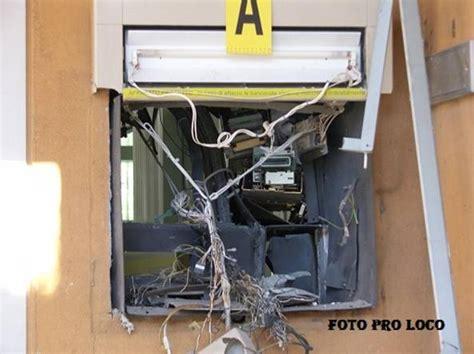 ufficio postale foggia deliceto bomba all ufficio postale salta il bancomat