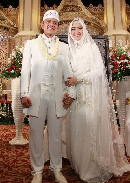 tutorial jilbab syar i untuk nikah 14 inspirasi gaun pengantin syar i berwarna putih til