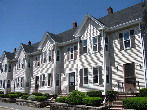 row home file rowhouses at 256 274 haven street reading ma jpg wikimedia commons