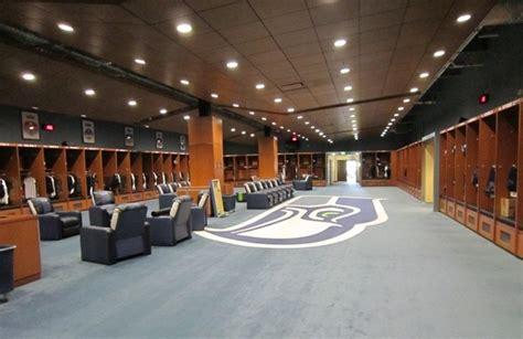Nfl Locker Rooms by Can The Nfl Effectively The Language Players Use